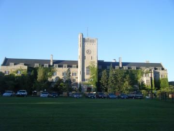 Johnston_Hall,_University_of_Guelph